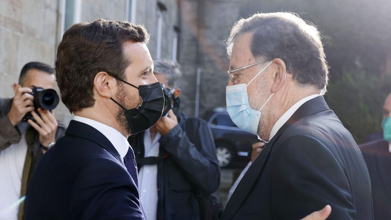 Foto: Pablo Casado y Mariano Rajoy, en el arranque de la convención. (EFE)