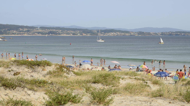 De 2.800 € en Isla de la Toja a 250 en Burela:  el coste de una semana en la playa