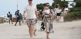 Post de Michael Fassbender y Alicia Vikander, con vestido floral y sandalias de Zara, primer verano como padres en Ibiza