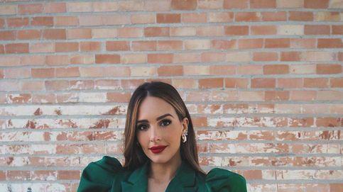 Satinado, color Vox y marca España: el look de bautizo de Rocío Osorno