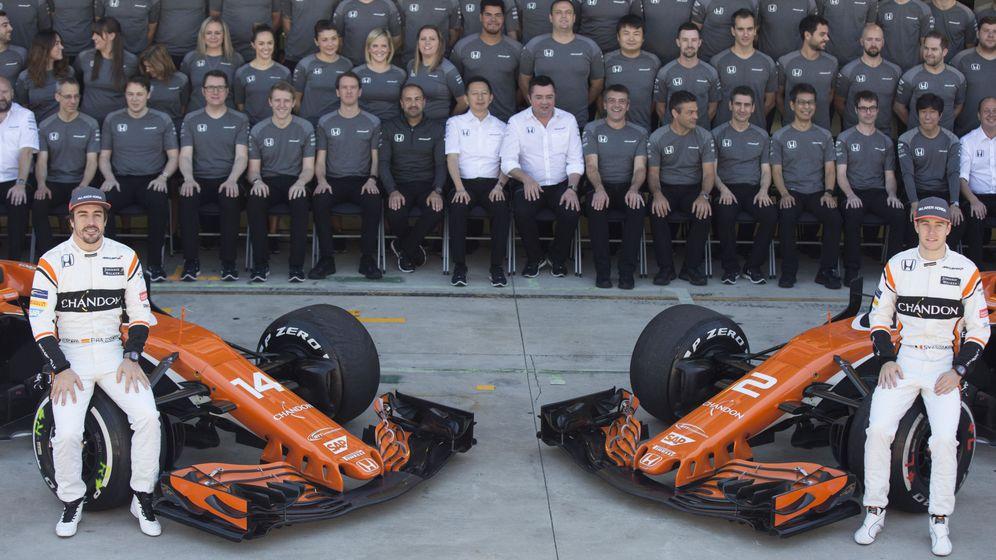 Foto: Así fue la foto de despedida de McLaren-Honda a final de 2017. (EFE)