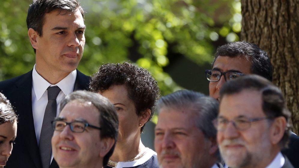 Foto: Desde Méndez de Vigo hasta su relevo, en manos de Pedro Sánchez. (EFE)