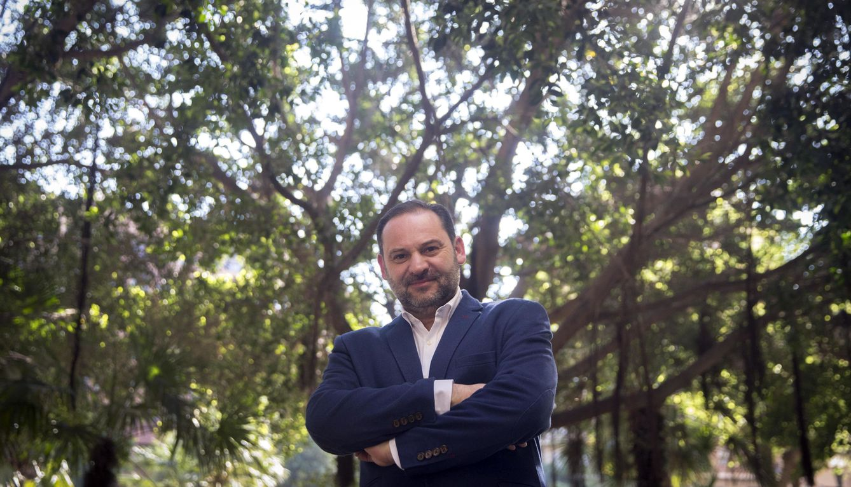 Foto: José Luis Ábalos, nuevo secretario de Organización del PSOE, el pasado 9 de abril en Valencia. (EFE)
