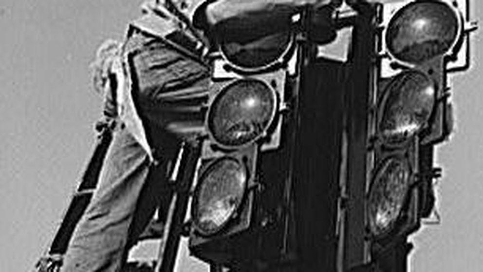 ¿Cuándo se instaló el primer semáforo eléctrico? Google le dedica un 'doodle'