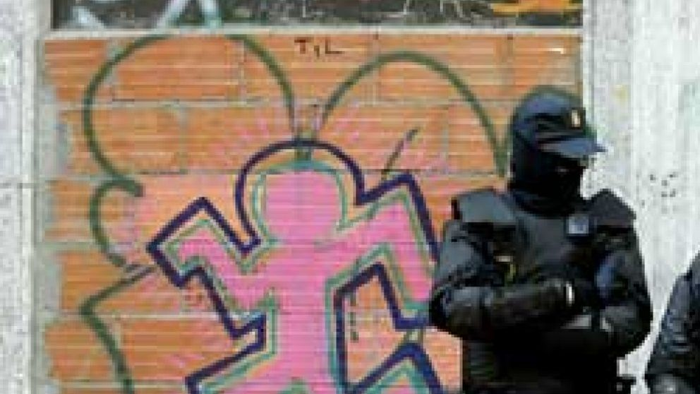 La Policía desaloja el 'okupado' Hotel Madrid