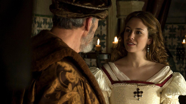 Foto: Blanca Suárez llega a 'Carlos Rey Emperador' dispuesta a 'casarse' con Álvaro Cervantes