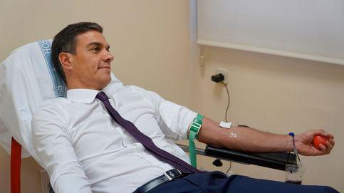 Sánchez dona sangre en Moncloa para las Fuerzas Armadas