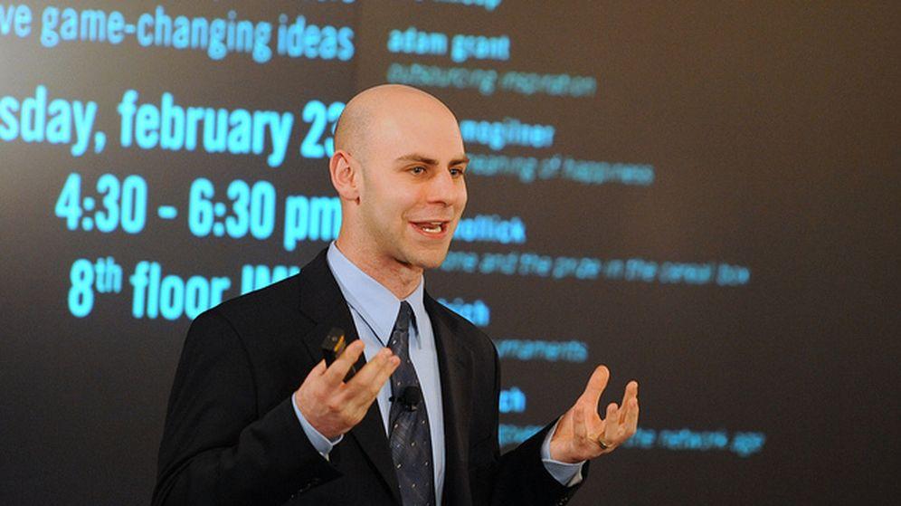 Foto: El profesor de la Escuela de Negocios de Wharton, Adam Grant. (Wharton School)