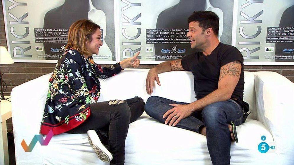 Foto: Toñi Moreno con Ricky Martin, en la tercera entrega de 'Viva la vida'. (Mediaset)