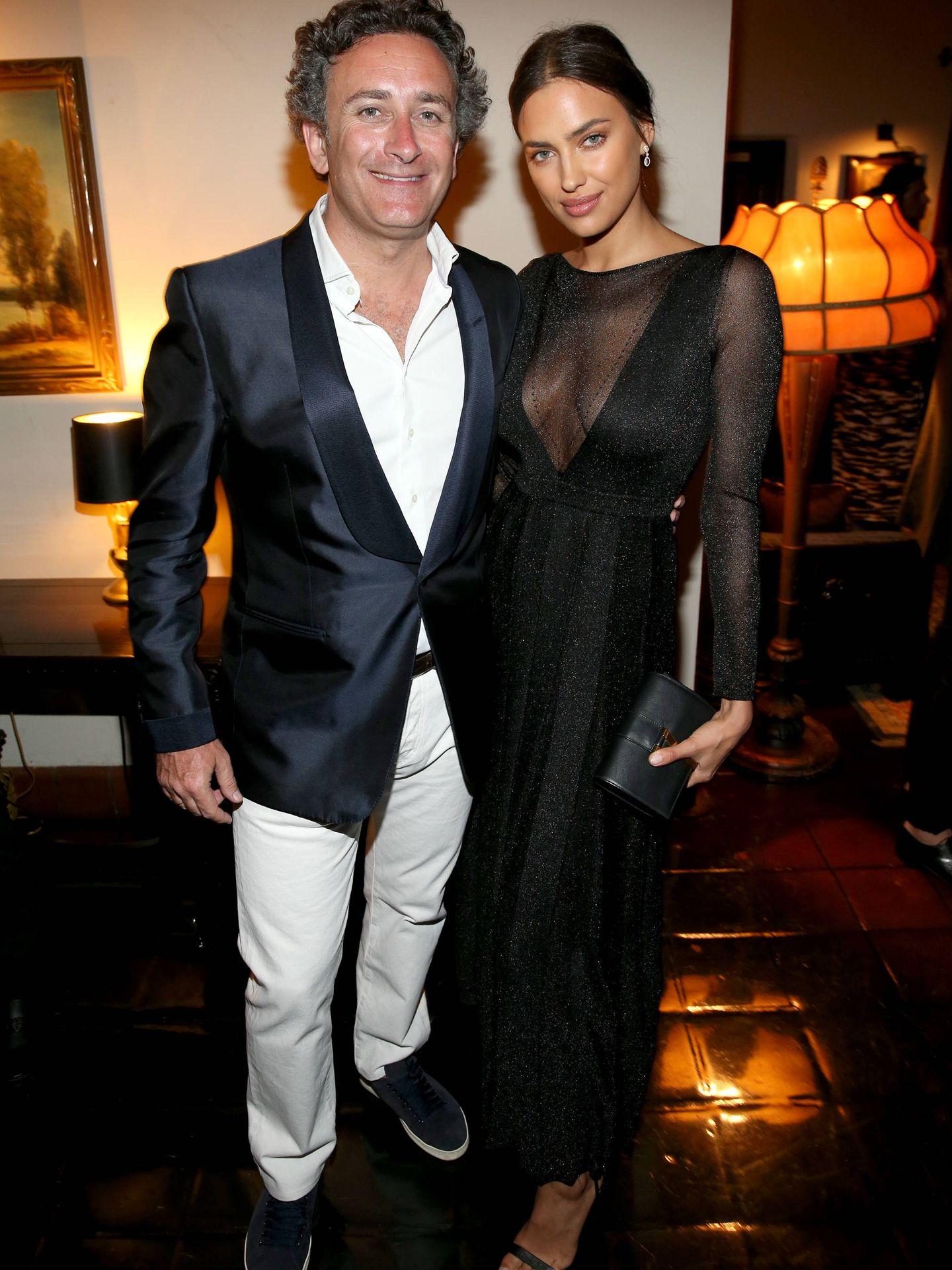 Alejandro Agag e Irina Shayk, en una gala en Los Ángeles. (Getty)