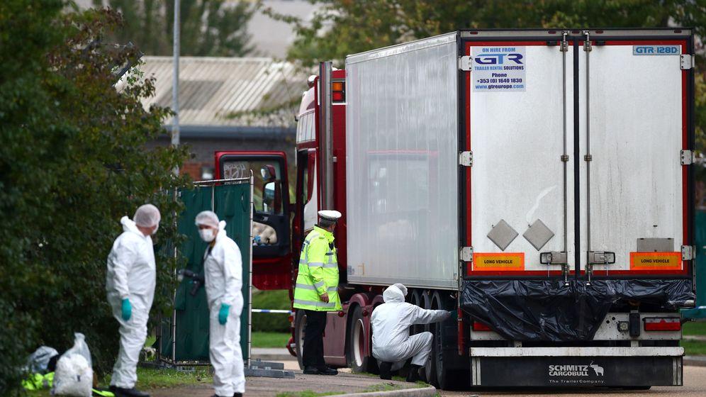 Foto: El camión donde se han encontrado 39 cadáveres esta semana en Essex, Reino Unido. (Reuters)