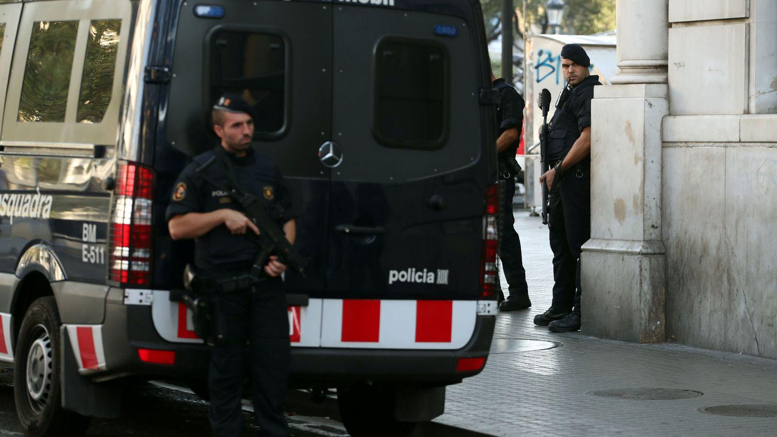 Foto: La policía custodia hoy las Ramblas. (EFE)
