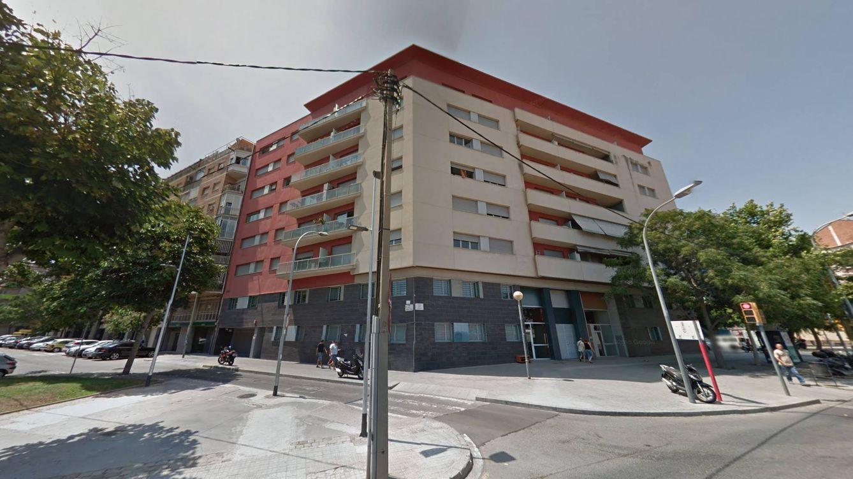 Azora saca a bolsa las viviendas públicas que compró a los ayuntamientos de Barcelona
