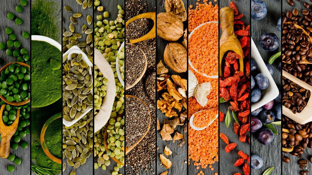 Foto: Hay muchos alimentos que podemos consumir para vivir más años (y otros tantos que dejar para vivir otros tantos). (iStock)