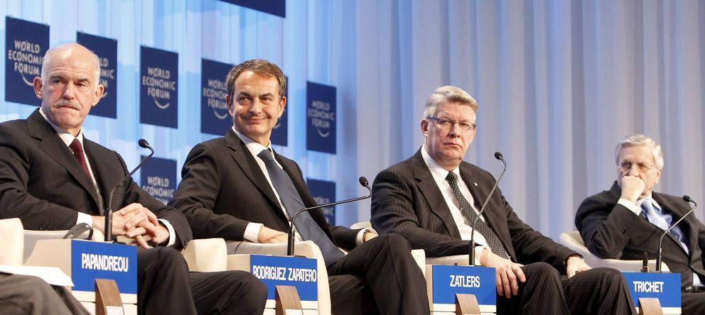 Foto: Zapatero y Trichet (a la derecha), en un acto del Foro de Davos en 2010