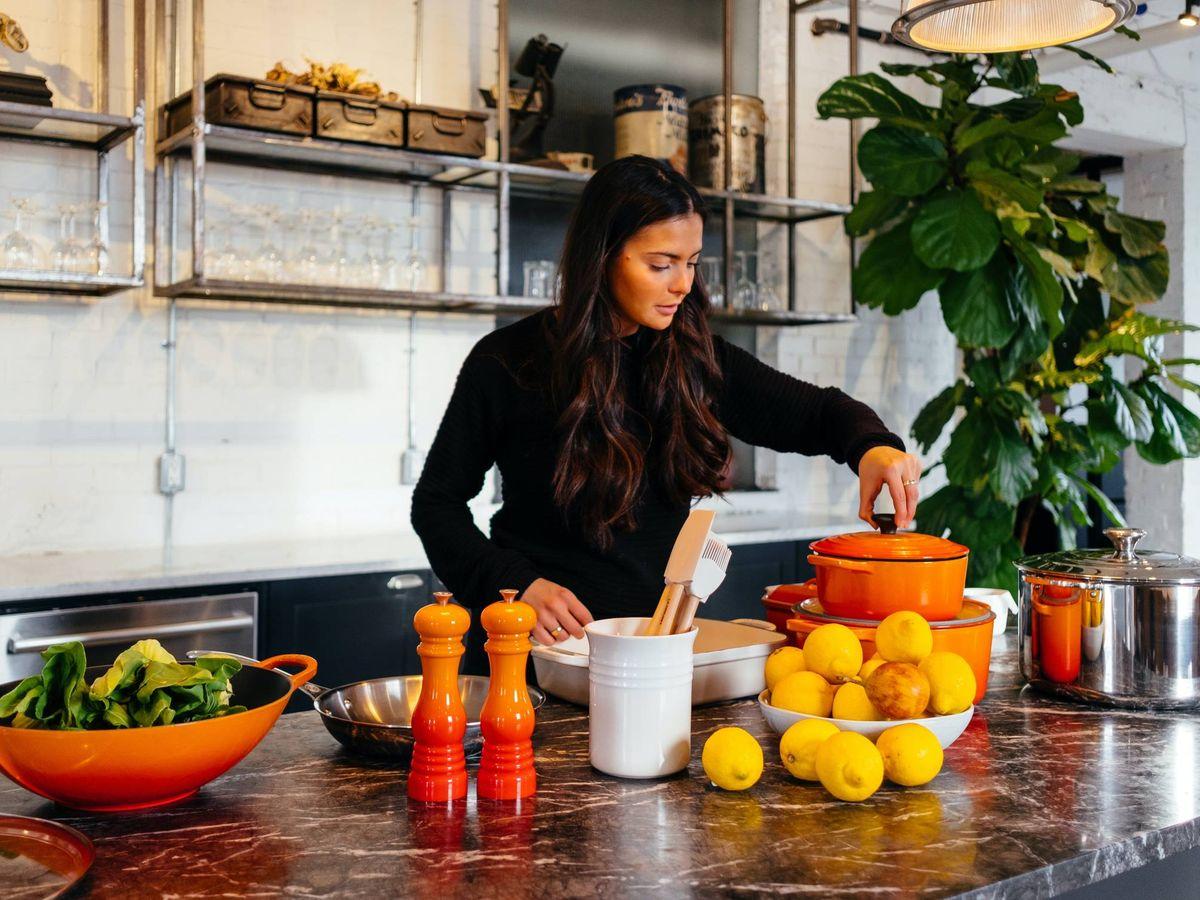 Foto: Cocinar feliz y contento es posible gracias a estos utensilios. (Unsplash)
