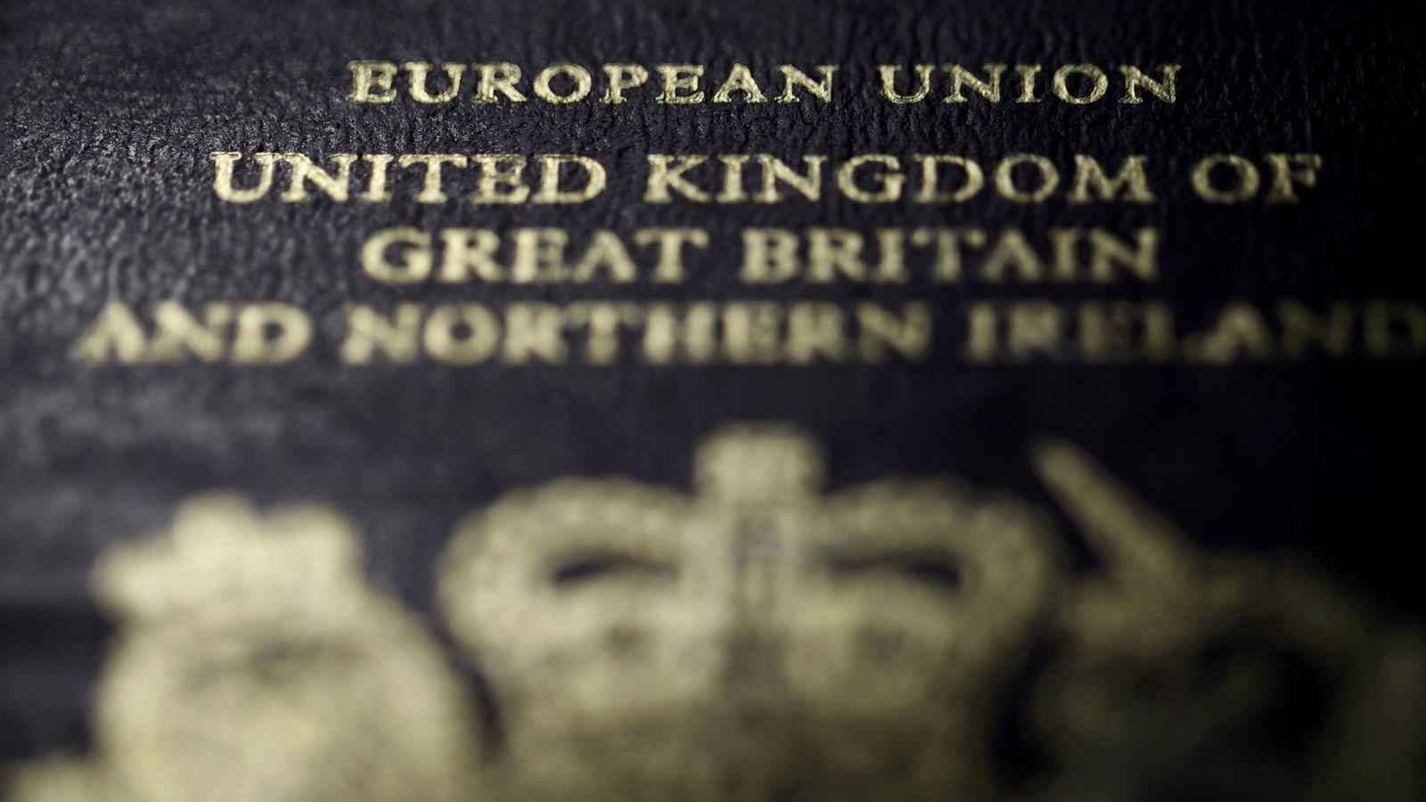Foto: Pasaporte de Reino Unido. (Reuters)