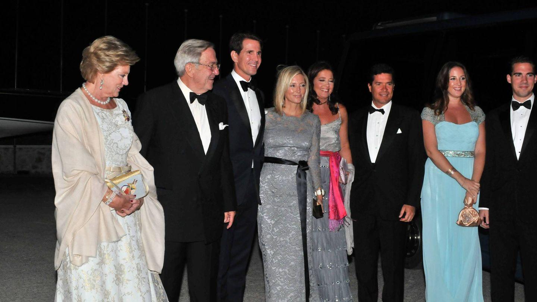 La familia real griega, en el 50º aniversario de boda de Constantino y Ana María. (Cordon Press)