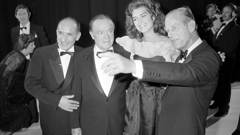 El duque de Edimburgo, en Hollywood: la fiesta que cambió su relación con los medios