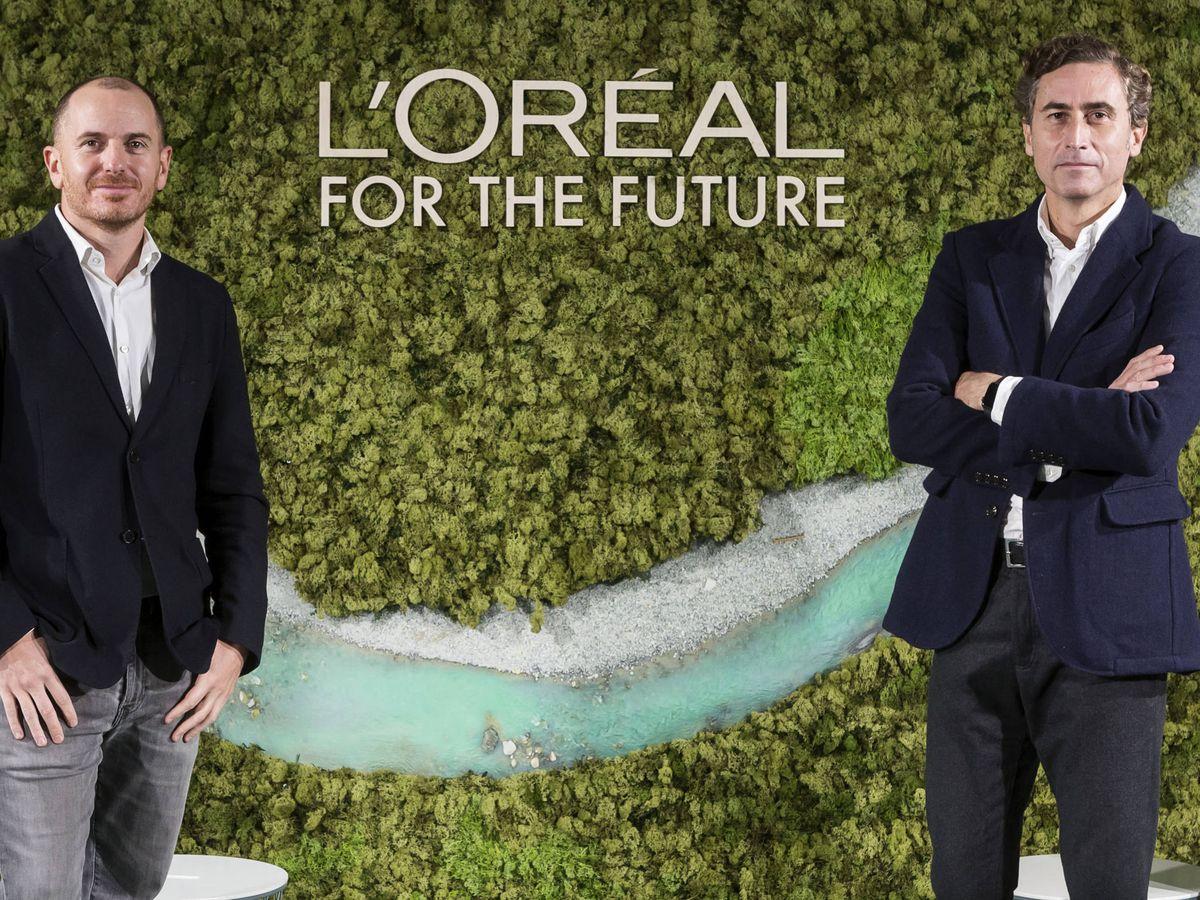 Foto: Íñigo Larraya, director de Sostenibilidad y RSE, y Juan Alonso de Lomas, CEO de L'Óreal.