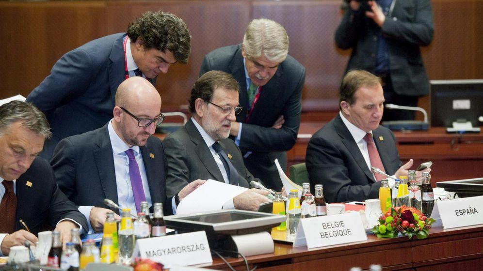 Foto: El primer ministro de Hungría, Viktor Orbén (i), junto al primer ministro de Bélgica, Charles Michel (2i), y el presidente del Gobierno español, Mariano Rajoy (3D). (EFE)