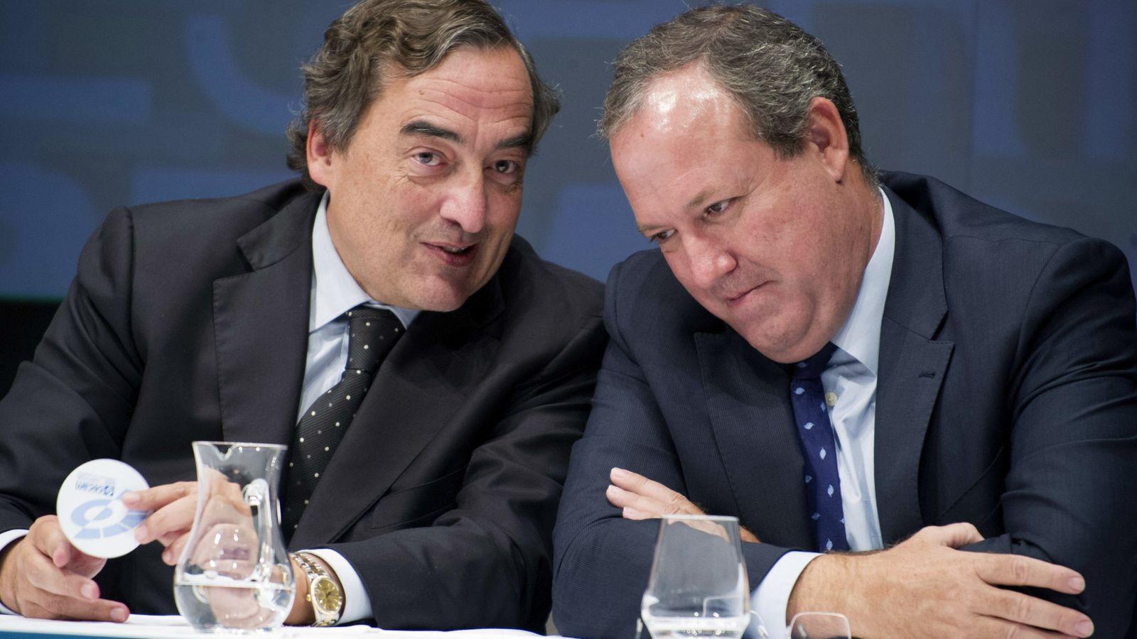 Foto: El presidente de la CEOE, Juan Rosell, junto a Jesús Terciado, en una imagen de archivo. (EFE)