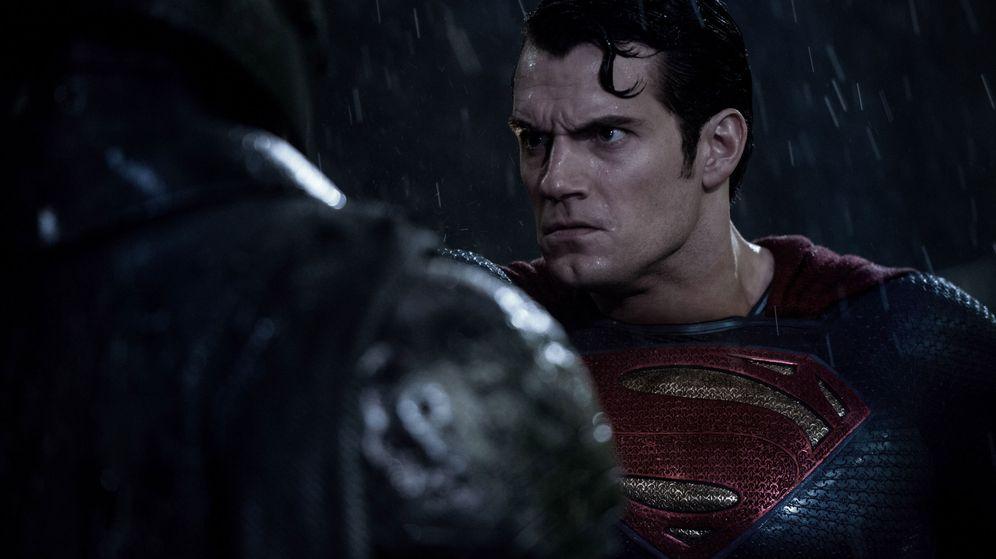 Foto: Cavill, en un fotograma de Batman vs Superman (EFE/Clay Enos/Warner Bros)