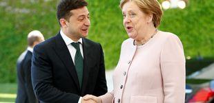 Post de Merkel sufre (y aguanta estoicamente) unos preocupantes temblores junto a Zelenski