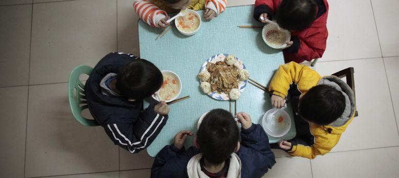 Foto: Varios huérfanos en la Fuyang AIDS Orphan Salvation Association, en China (Reuters)