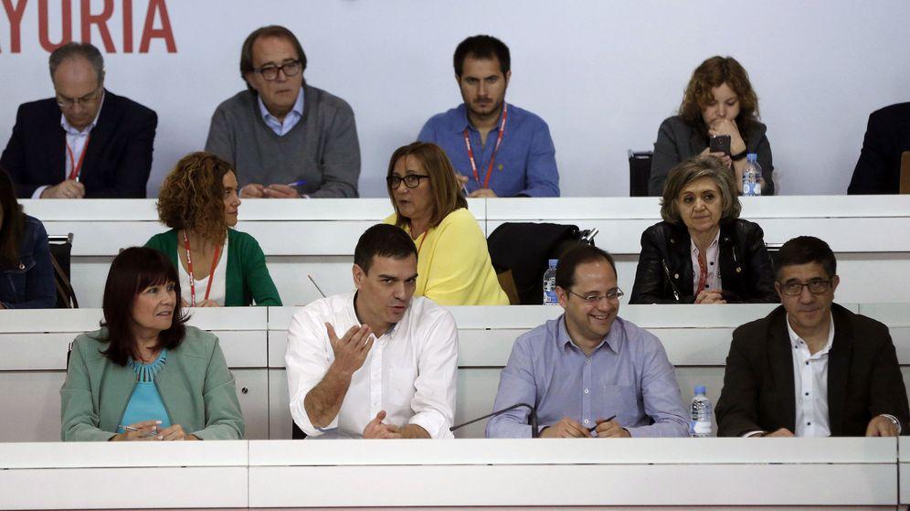 Foto: Reunión extraordinaria del Comité Federal del PSOE. (EFE)