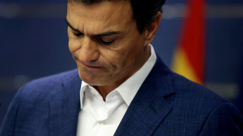 Sánchez inicia su batalla contra Ferraz y reabre su web para reunir apoyos