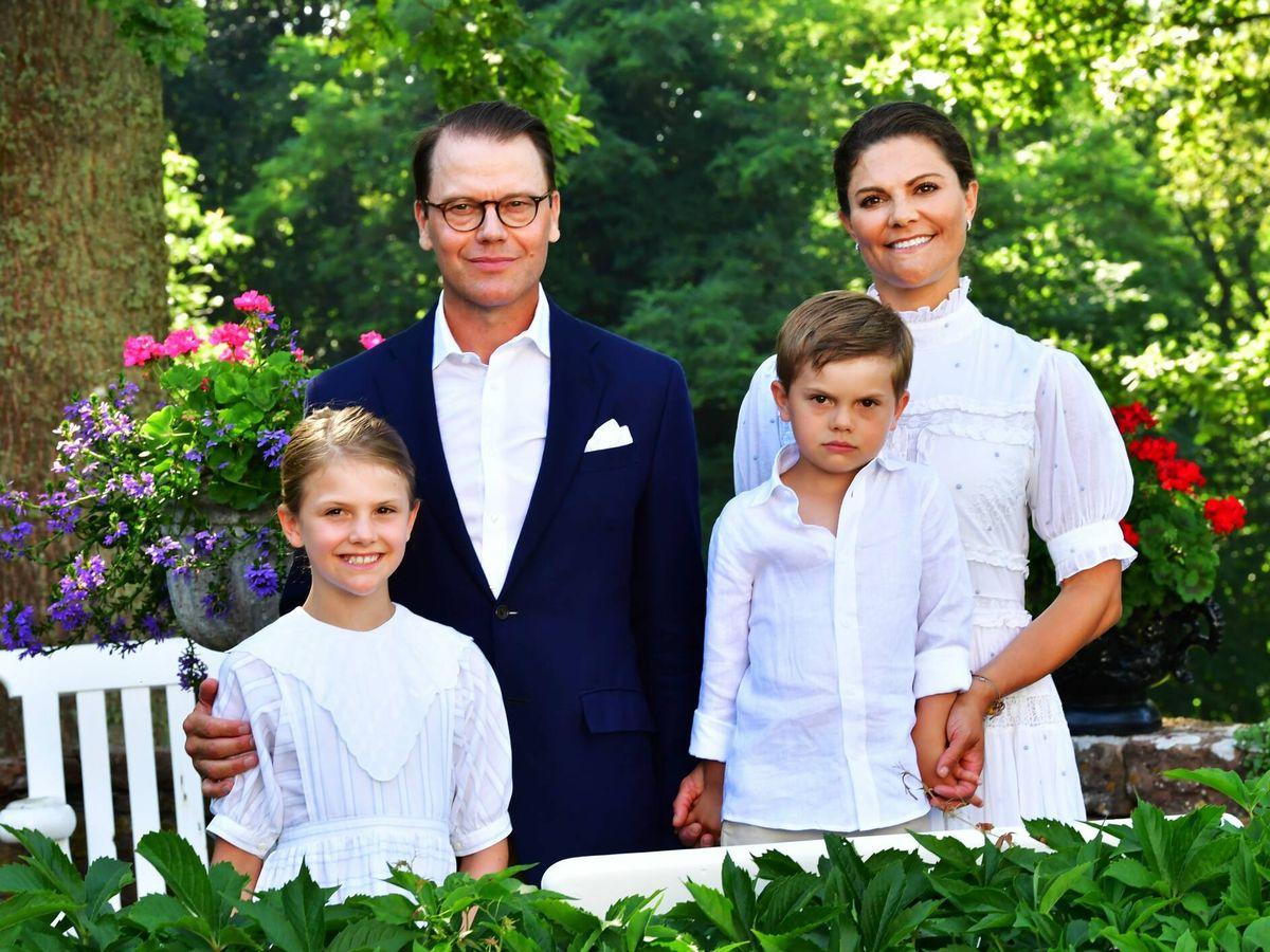 Foto: Los herederos suecos, junto a Estelle y Oscar. (CP)