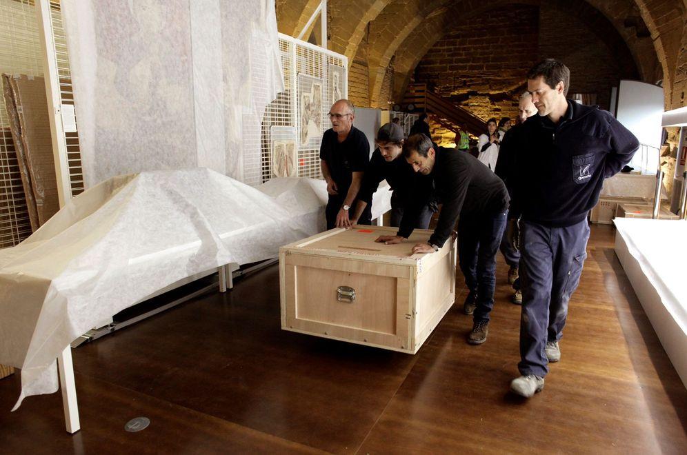 Foto: Fotografía facilitada por el Gobierno de Aragón de la llegada de los bienes del patrimonio histórico artístico al Monasterio de Sijena, este 11 de diciembre. (EFE)