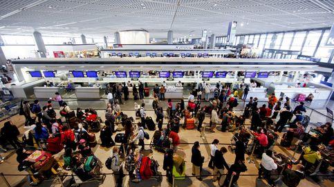 Facua denuncia a Clickair, easyJet, Vueling y Ryanair por cobrar a los pasajeros por llevar equipaje