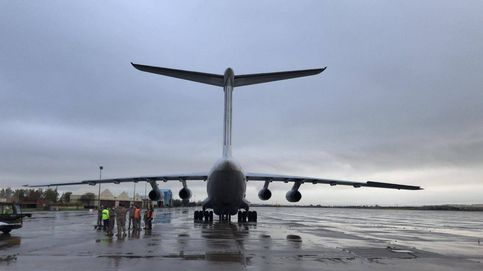 Dos nuevos aviones traen a España material médico y de protección