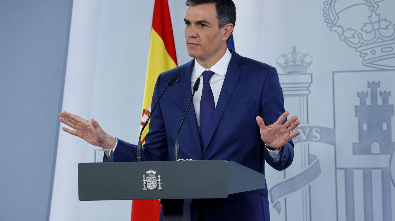 Pedro Sánchez tira confeti y la UE exige reformas
