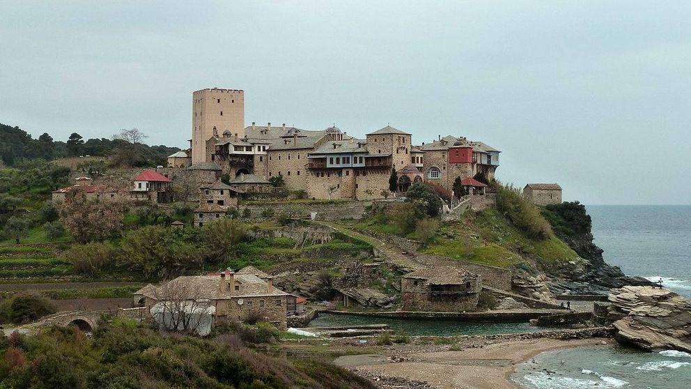Descubren los huesos de una mujer en San Pantokratoros, un templo solo para monjes