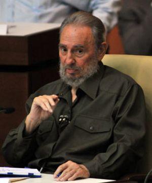Fidel Castro asiste a la Asamblea Nacional tras cuatro años de ausencia