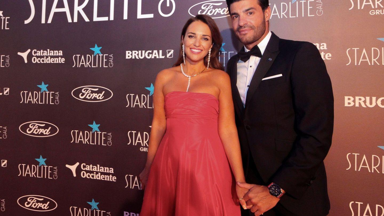 Paula Echevarría y Miguel Torres, a su llegada a la Starlite Gala 2020. (EFE)