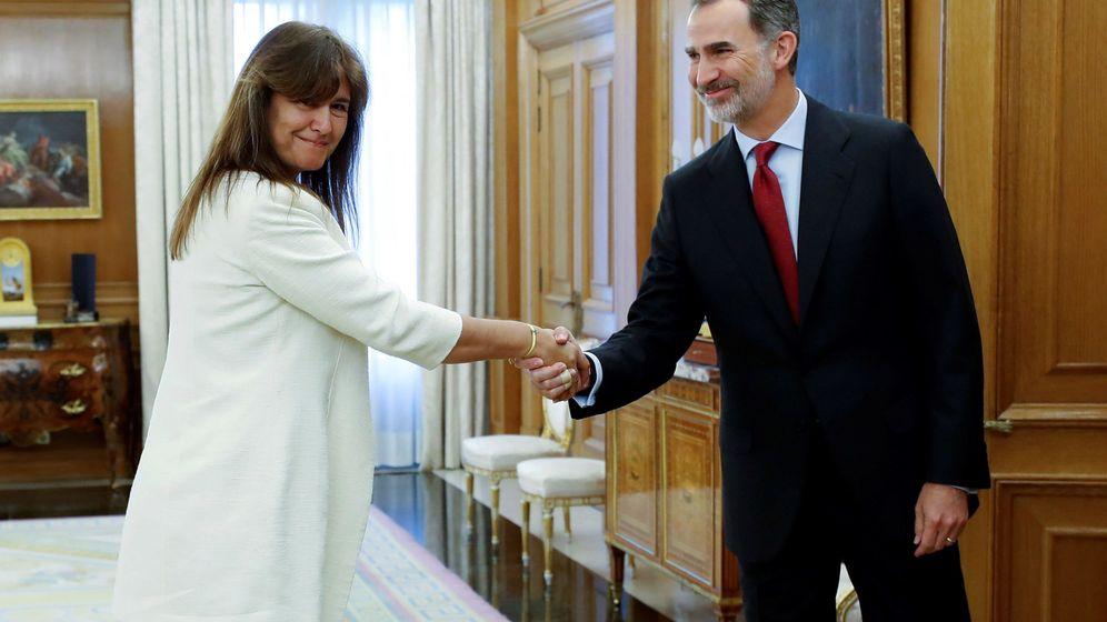Foto: El Rey recibe en la ronda de consultas a la diputada de JxCAT, Laura Borràs. (EFE)