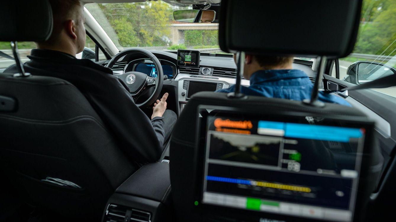 Circular entre el tráfico de la AP-7: una nueva prueba de fuego para los coches autónomos