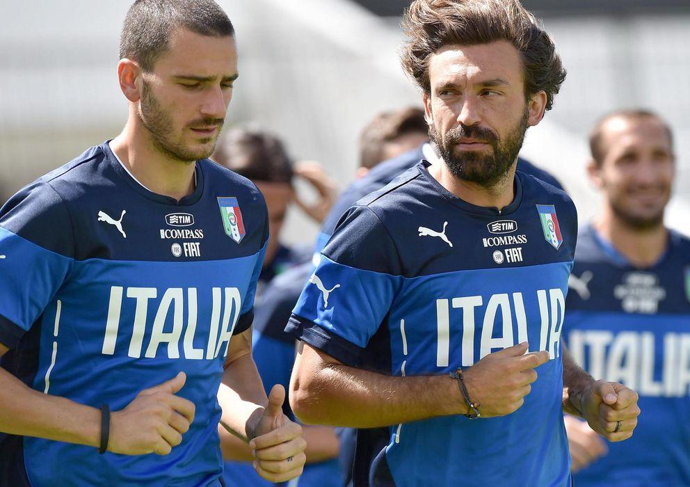 Foto: Bonucci y Pirlo, con Chiellini al fondo, son piezas claves de la Juventus tricampeona de Italia (Reuters).