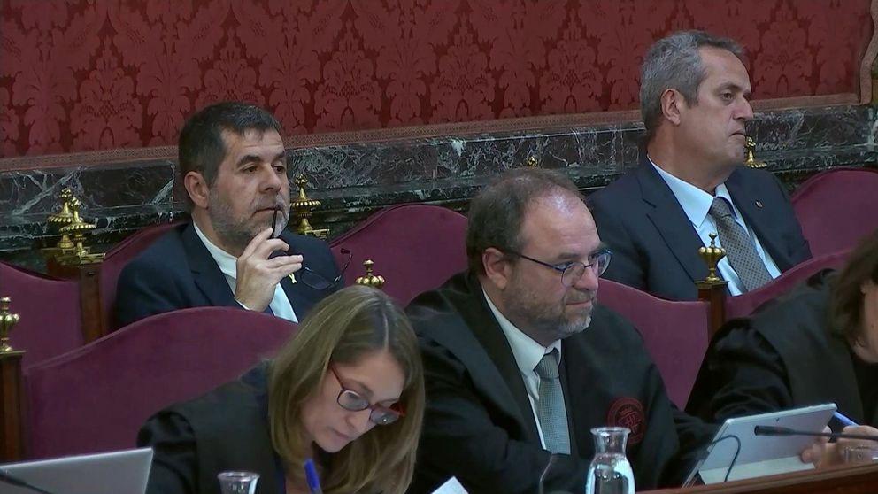 Un mosso 'sale rana' como testigo de la defensa en el juicio del 'procés': Trapero ha perdido la cabeza