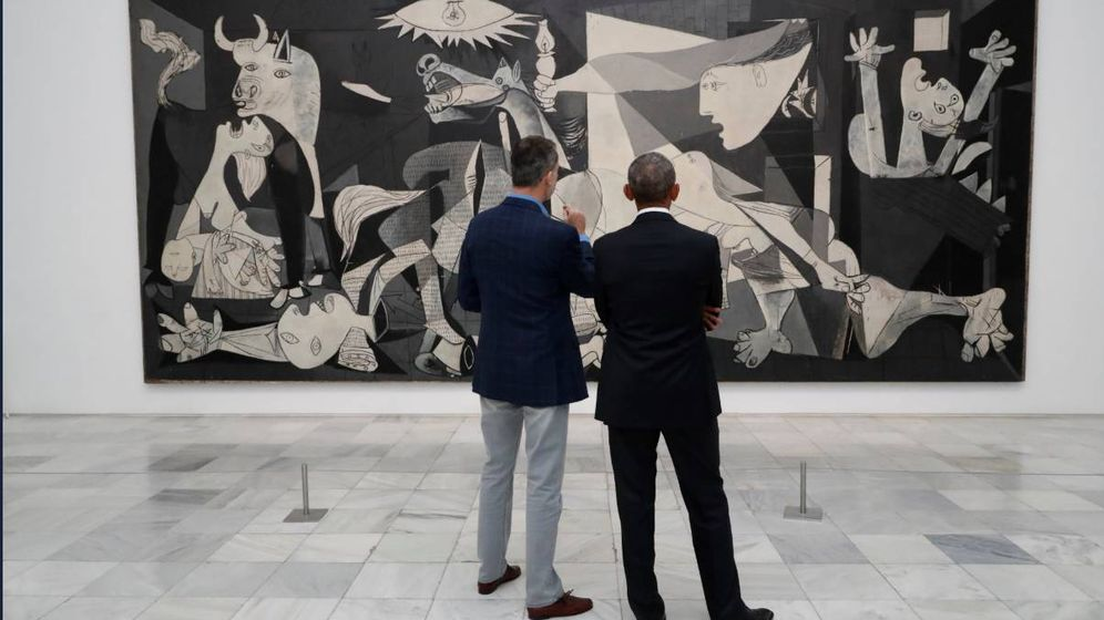 Foto: El Rey y Barack Obama contemplan el 'Guernica' en el Museo Reina Sofía. (Casa del Rey)