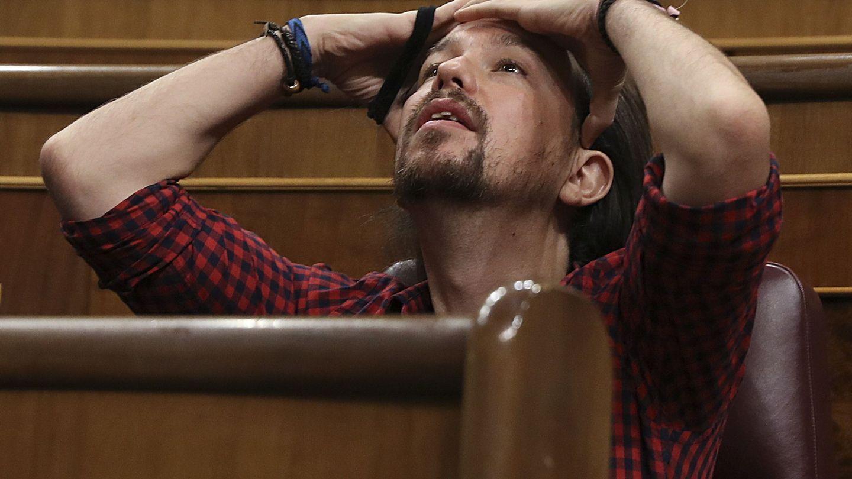 El líder de Podemos, Pablo Iglesias, durante el pleno del Congreso en Madrid. (EFE)