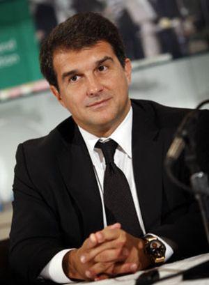 El director del Barça es socio del único candidato a presidente que no fue 'espiado'