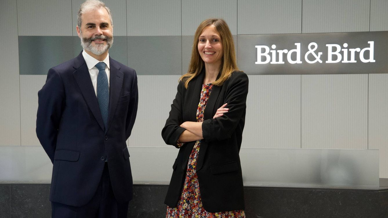Bird & Bird refuerza Seguros con Virginia Martínez y Luis Alfonso Fernández, de Hogan
