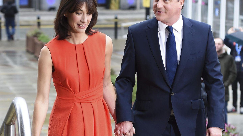 David Cameron y su mujer Samantha, en una imagen de archivo. (EFE)