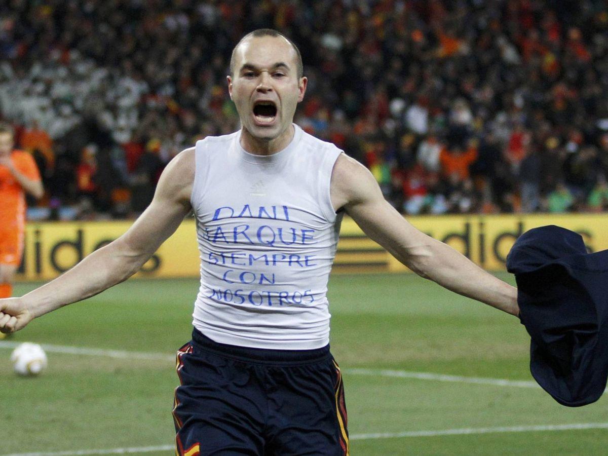 Foto: Iniesta dedicó a Dani Jarque el gol que dio a España su primer Mundial, en Sudáfrica 2010. (Reuters)