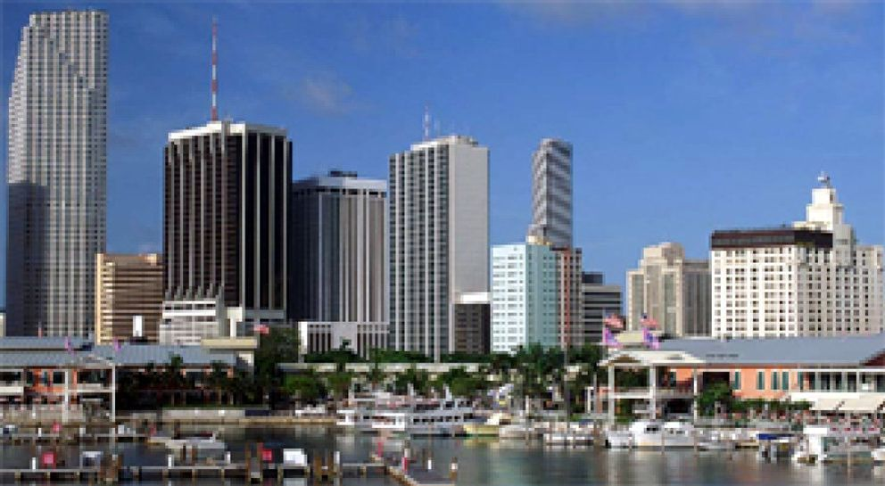 CBR LAC Miami rompe con Richard Ellis en America Latina y se alía con Aguirre Newman